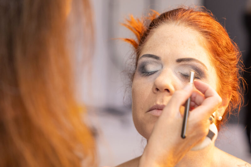 Meier & Kamer Fotografie: Unsere professionellen Visagisten kreieren ein perfektes Make-Up