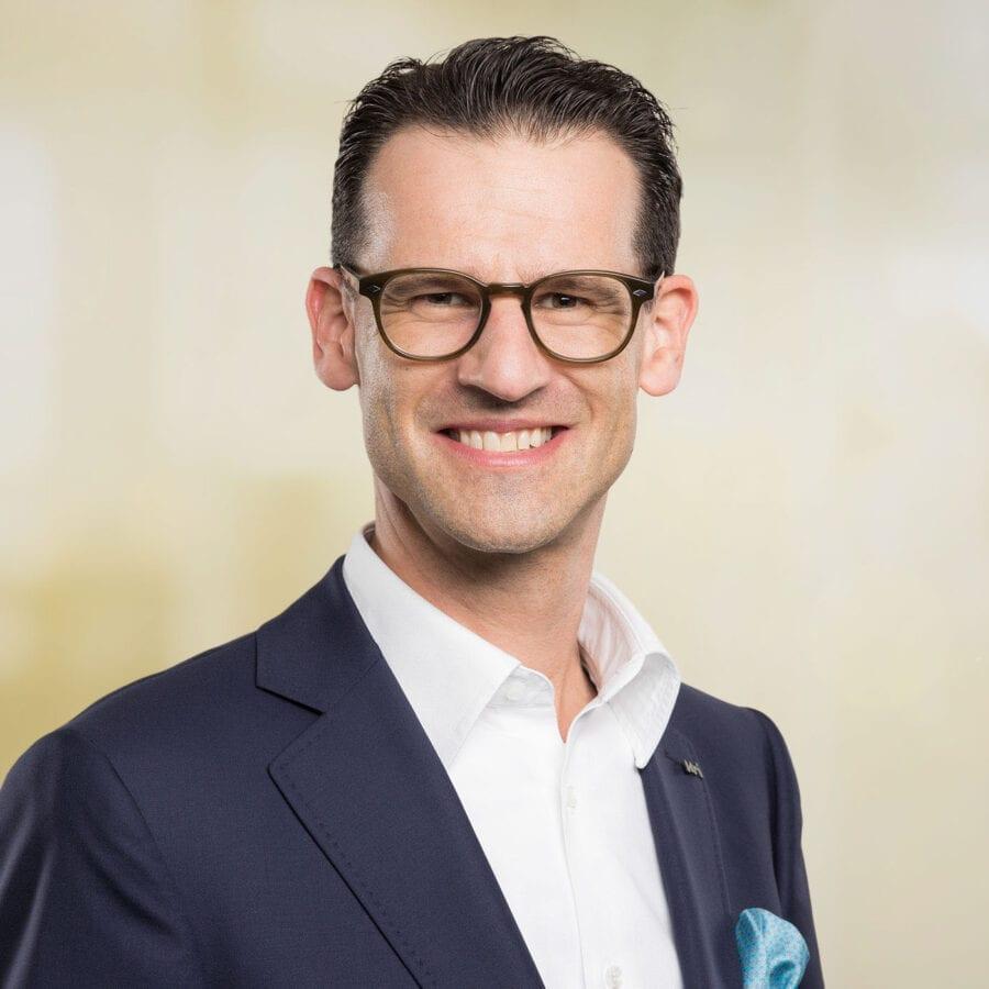 Meier & Kamer Mitarbeiterfotos Urner Kantonalbank Sascha Hostettler