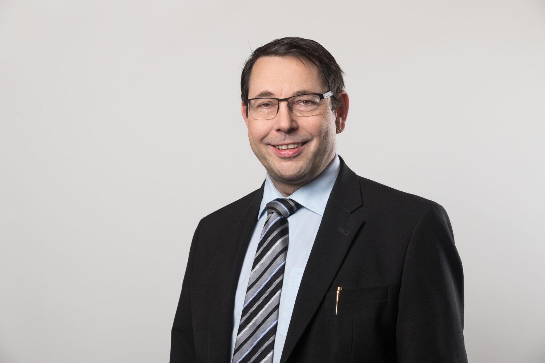 Meier & Kamer Werbefotografie: Vorstandfotos Verein Netzwerk Arbeit, Andreas Kümin