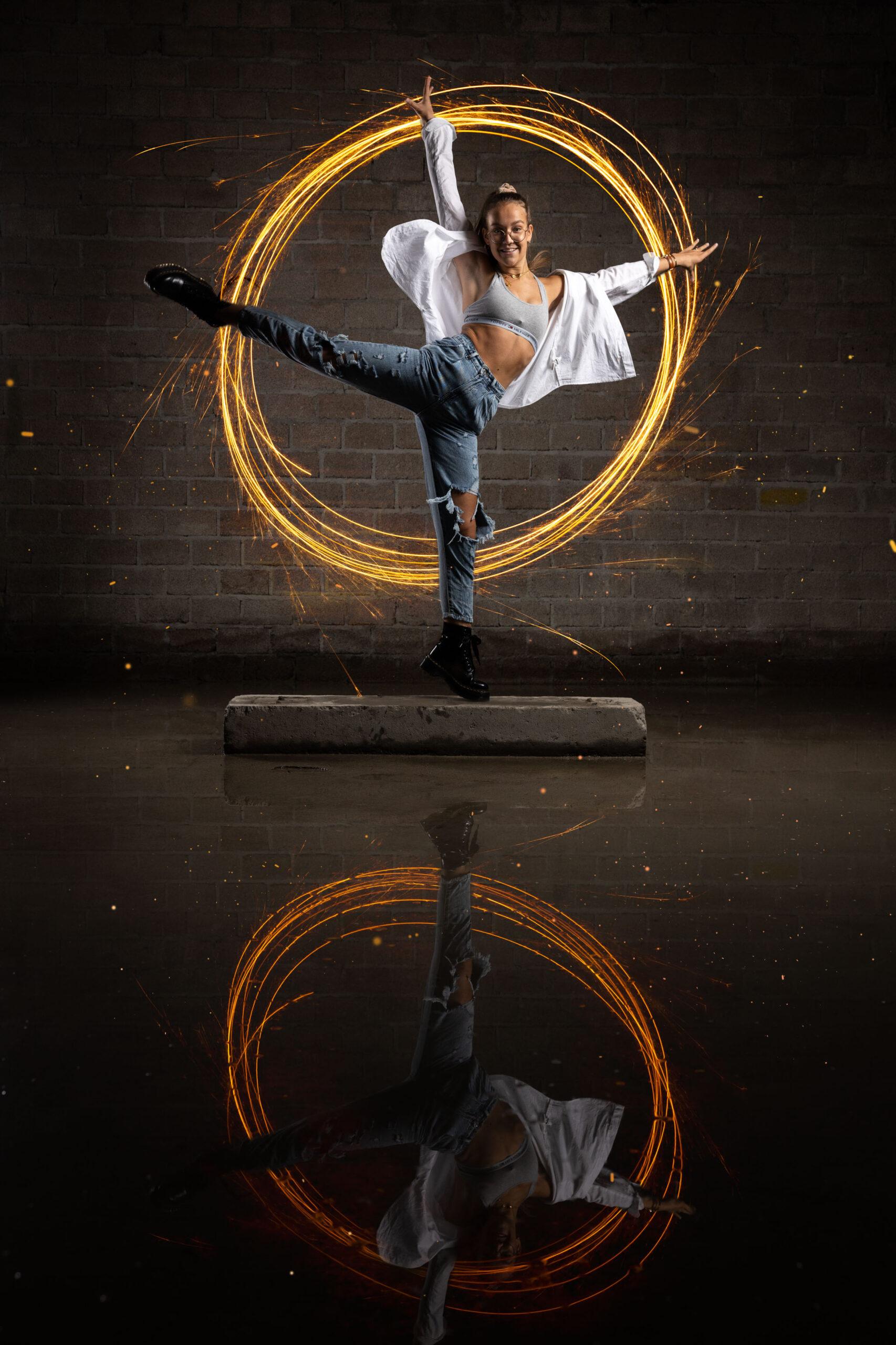 Meier & Kamer: Dance Fotoshooting im verlassenen Industriegebäude mit Lightpaintig