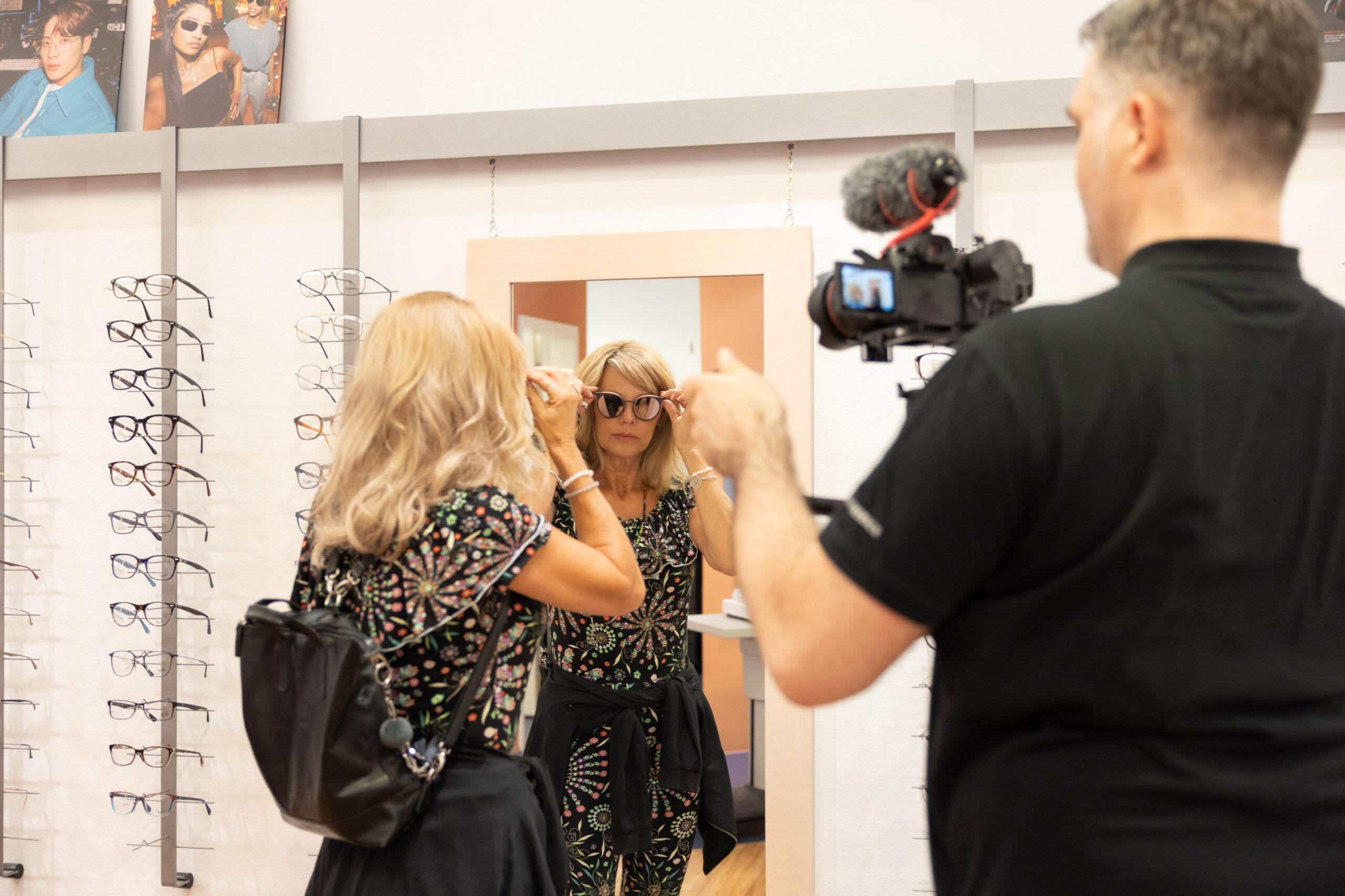 Meier & Kamer Werbefotografie: Making-of Video Mitarbeiterfotos für Publikation Profitierbons Mythen Center, Schwyz